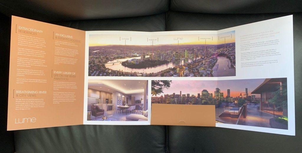 Gold foil presentation folder Lume with single pocket roll fold - inside fold